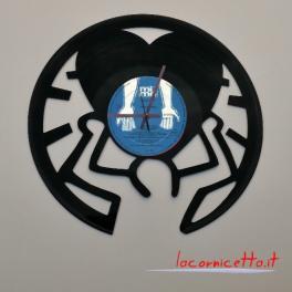 Keith Haring artista neo-pop statunitense. Disco pop in vinile top orologio