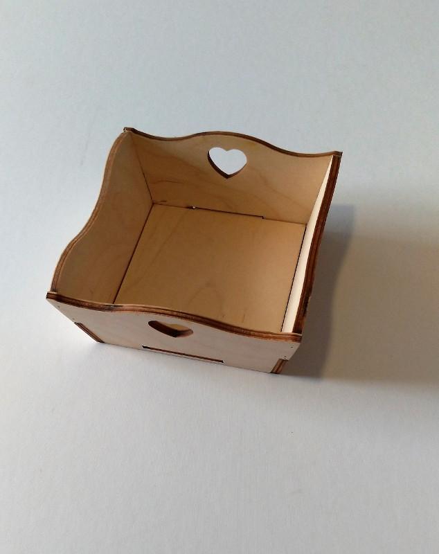 Cestino svuota tasche centrotavola in legno naturale grezzo impugnatura cuore