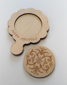 Sottopentola in legno, attrezzo da cucina con incisione