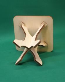 Sgabello basso in legno quadrato assemblabile h 30,5 cm composto di 3 parti 4 Piedi. Laboratorio Artigianale lacornicetta.it