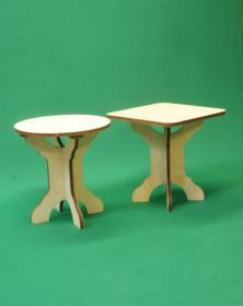 Sgabelli bassi in legno assemblabile h 30,5 cm composto di 3 parti rotondo e quadrato. Laboratorio Artigianale lacornicetta.it