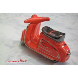 Lambretta in ceramica colore rosso decoro platino lavorazione a mano