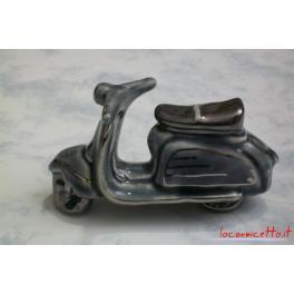 Lambretta in ceramica colore grigio oggetto d'arte e arredo